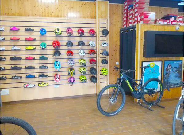 Ropa y Calzado para Ciclistas en Estepona