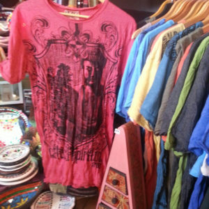 Camisetas Sure Artesanías del Mundo en Estepona