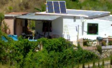 Equipo solar Fotovoltáico para vivienda aislada