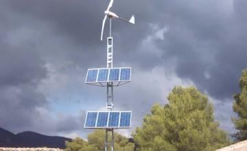 Instalación aislada por aerogenerador y fotovoltaica