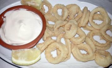 Ración de calamares fritos Estepona