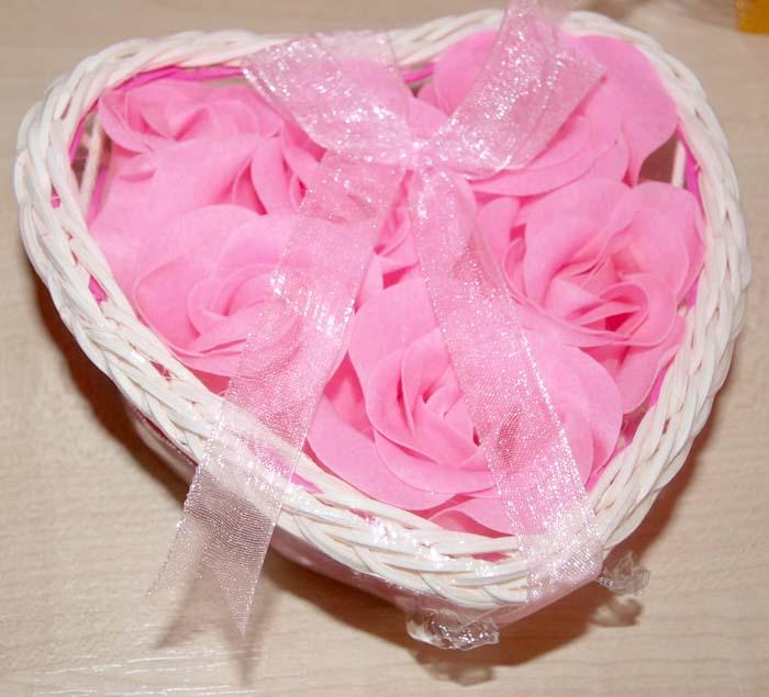 Rosita con forma corazón de jabón, regalos